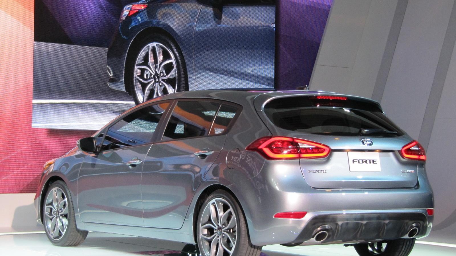2014 Kia Forte 5-door hatchback, 2013 Chicago Auto Show