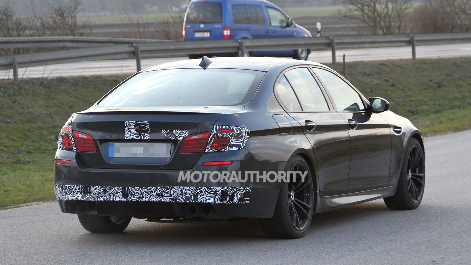2014 BMW M5 facelift spy shots