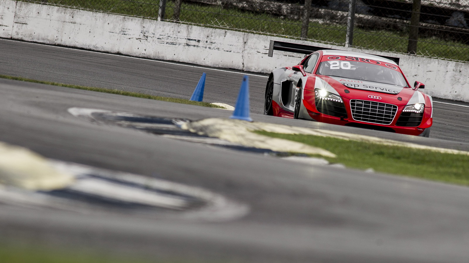 2013 Audi R8 LMS ultra race car