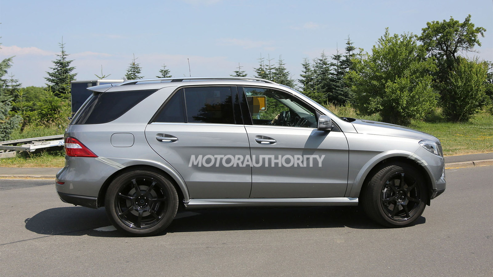 2016 Mercedes-Benz MLC-Class test mule spy shots