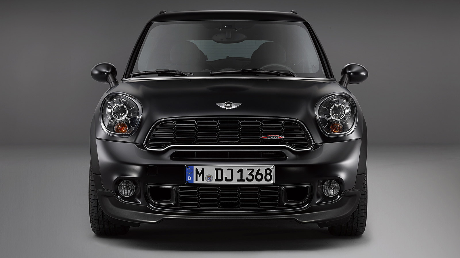 2014 MINI John Cooper Works Paceman in Frozen Black matte paint