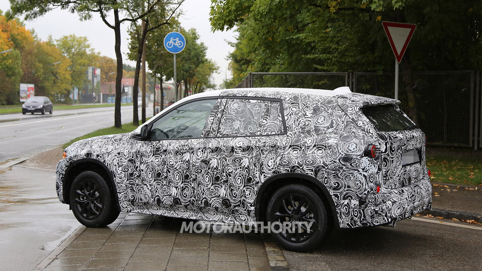 2016 BMW X1 spy shots - Image via S. Baldauf/SB-Medien