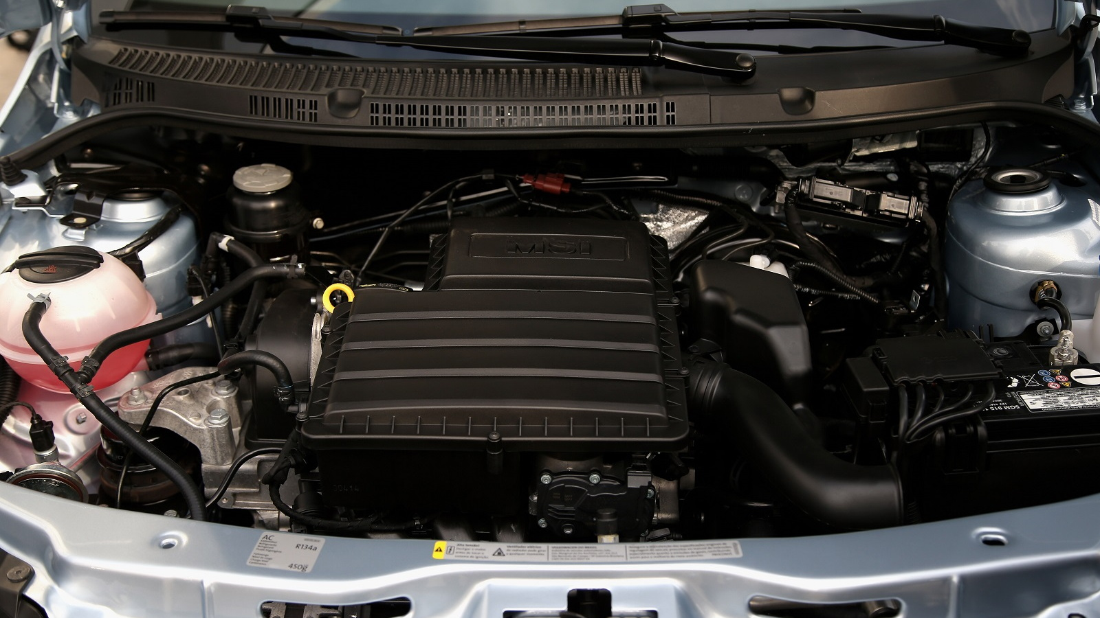 Engine compartment of Volkswagen Saveiro, Brazilian flex-fuel vehicle