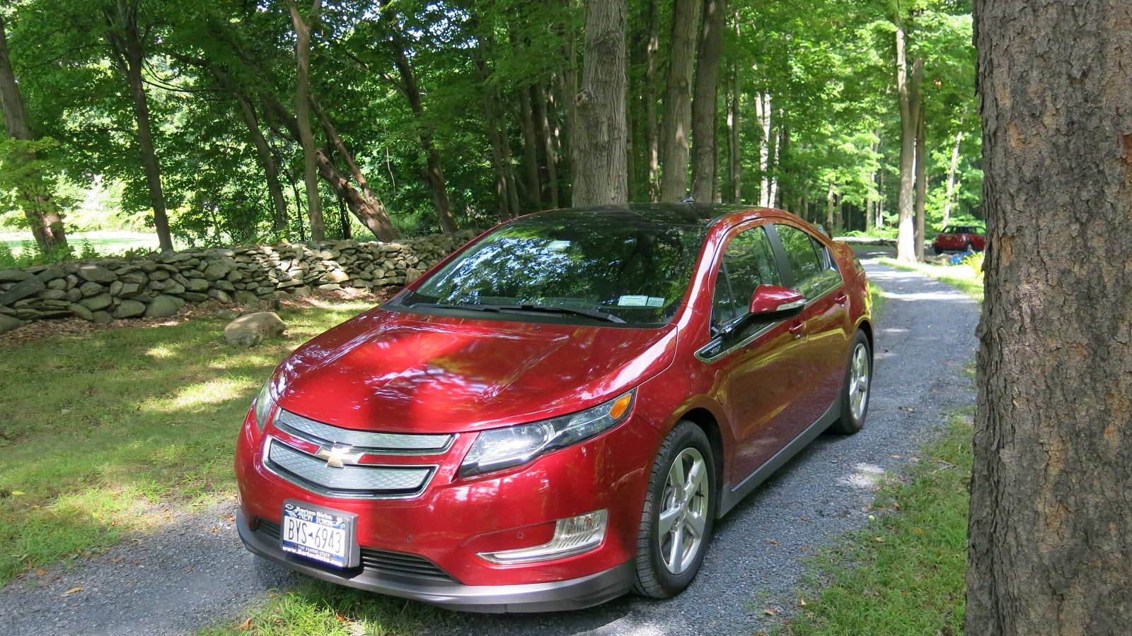 2011 Chevrolet Volt, before lease return, Hudson Valley, NY, Aug 2014 [photo: David Noland]