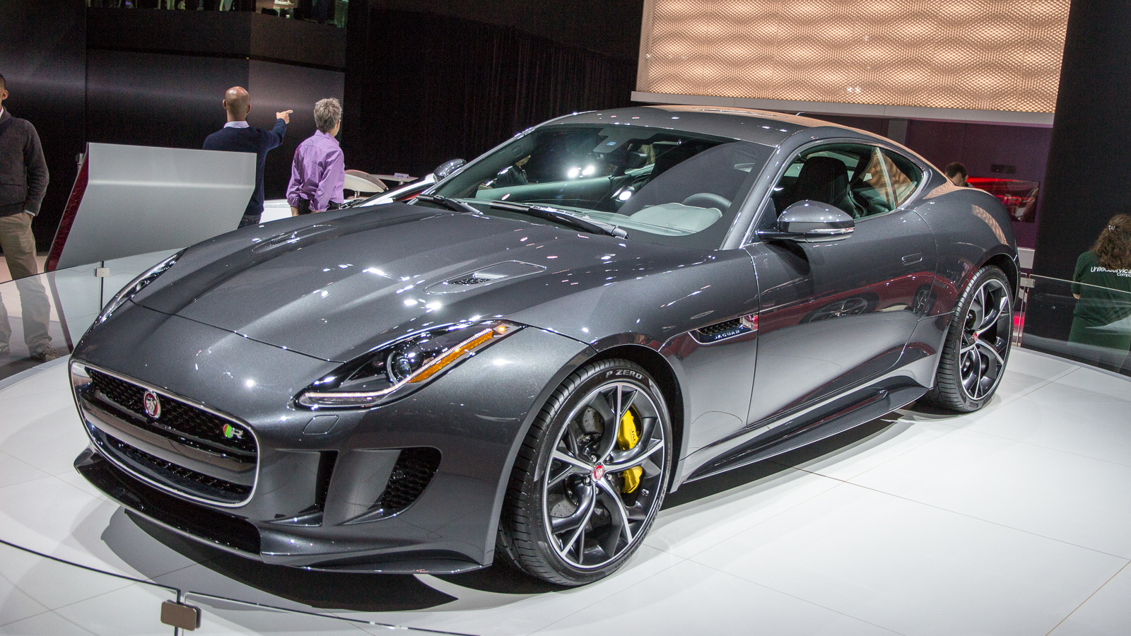 Jaguar F Type Coupe >> 2016 Jaguar F Type Debuts With All Wheel Drive And Manual Transmission