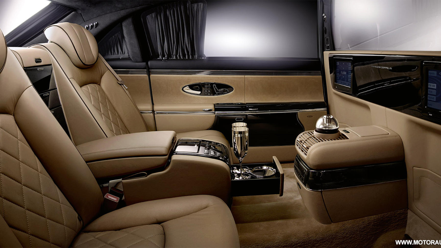 2010 maybach zeppelin 003