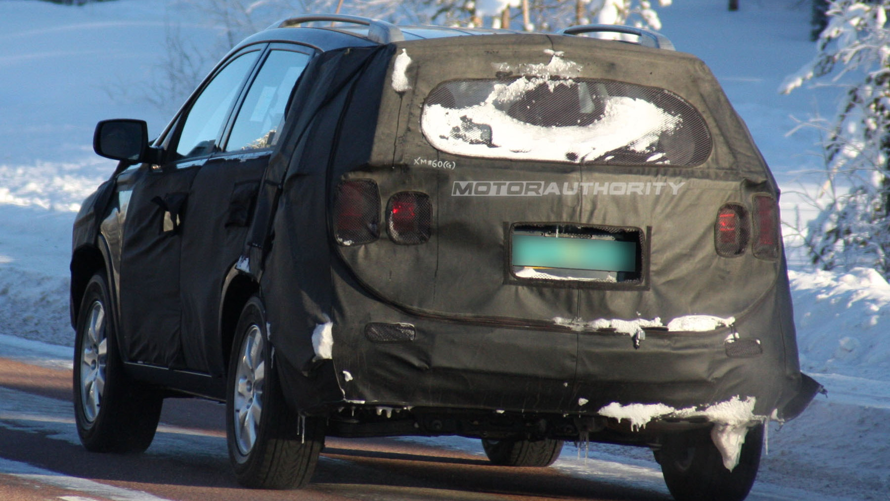 2010 kia sorento spy shots february 006