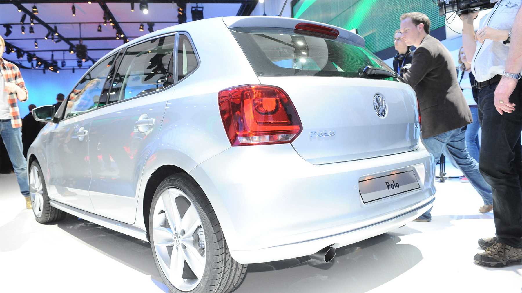 2010 volkswagen polo live 003