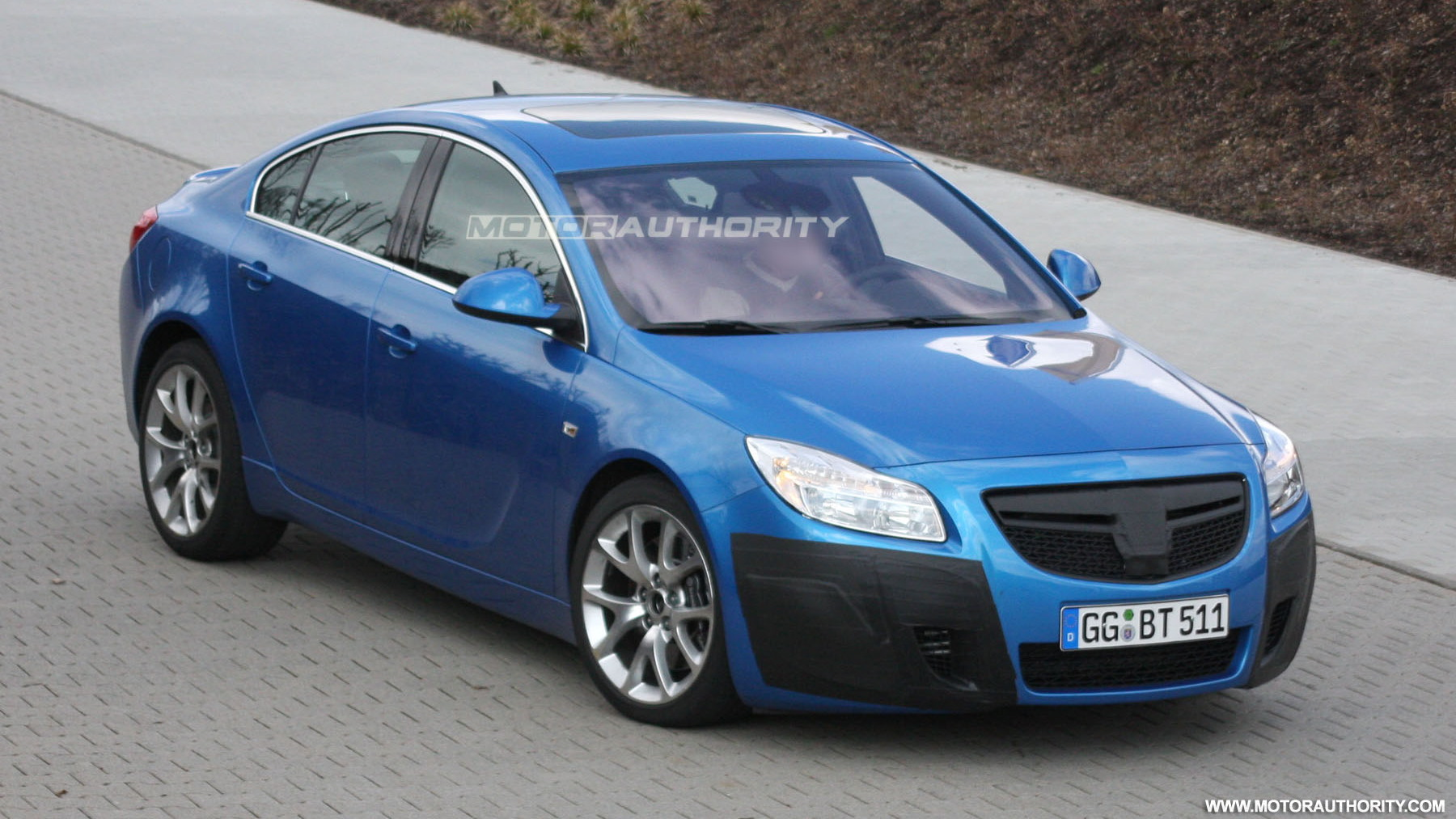 2010 opel insignia opc spy shots march 002