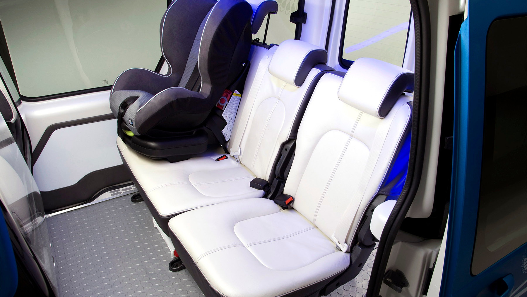 ford transit connect family one concept 022