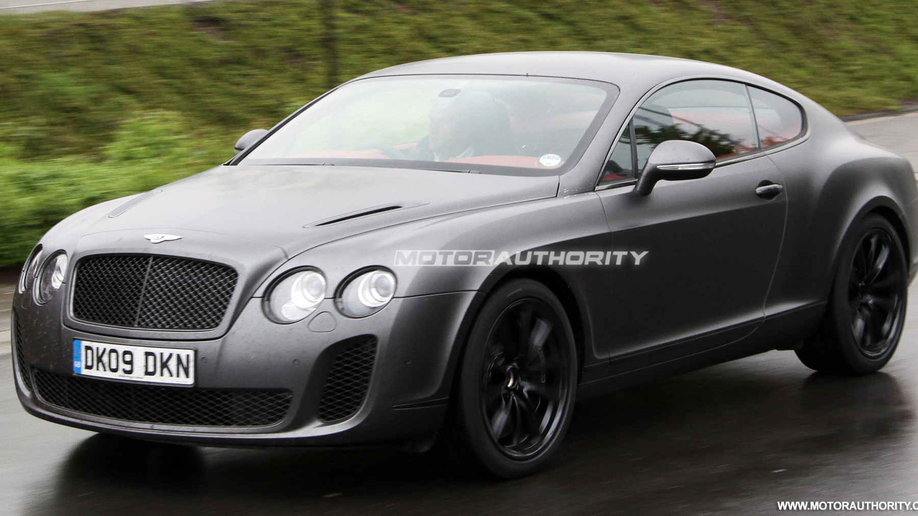 2010 bentey continental supersports spy shots may 004
