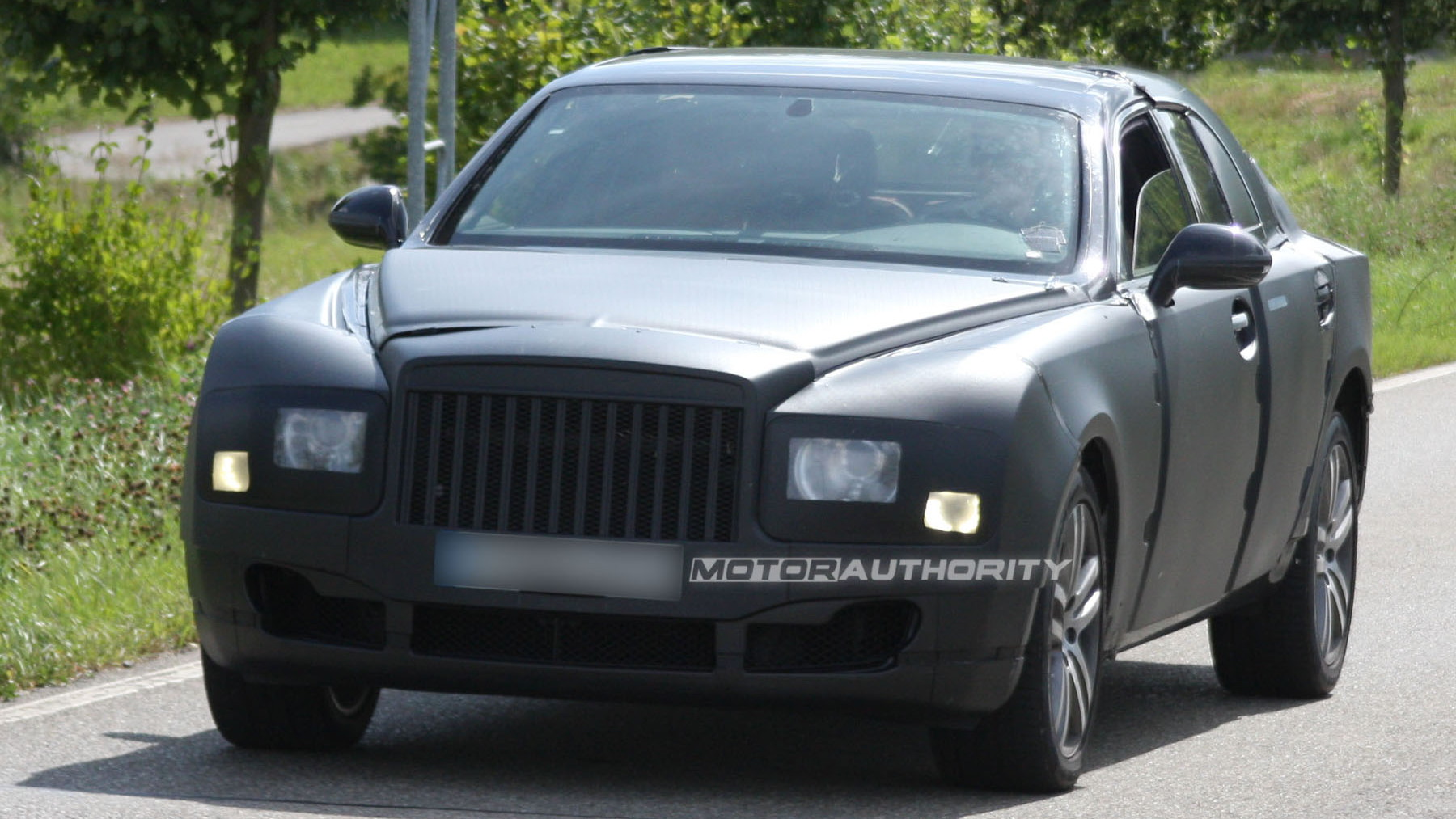 2010 grand bentley arnage replacement spy shots july 001