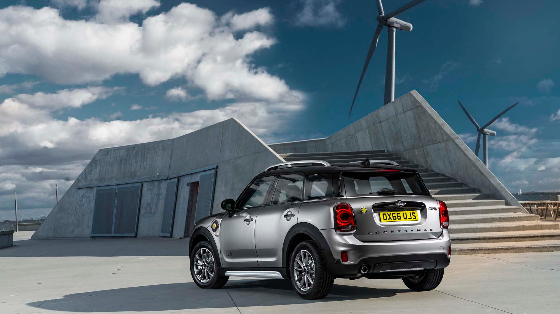 Report: Next-generation Minis to go all electric