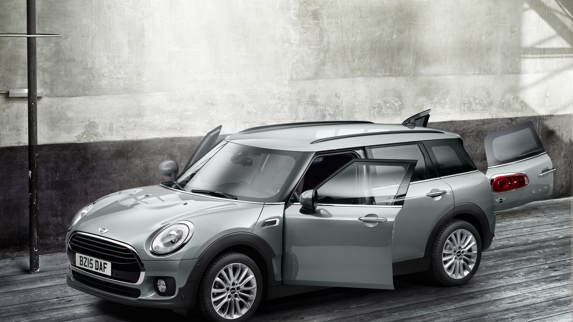 2016 Mini Cooper Clubman Grows Up Into More Maxi Wagon With Six Doors