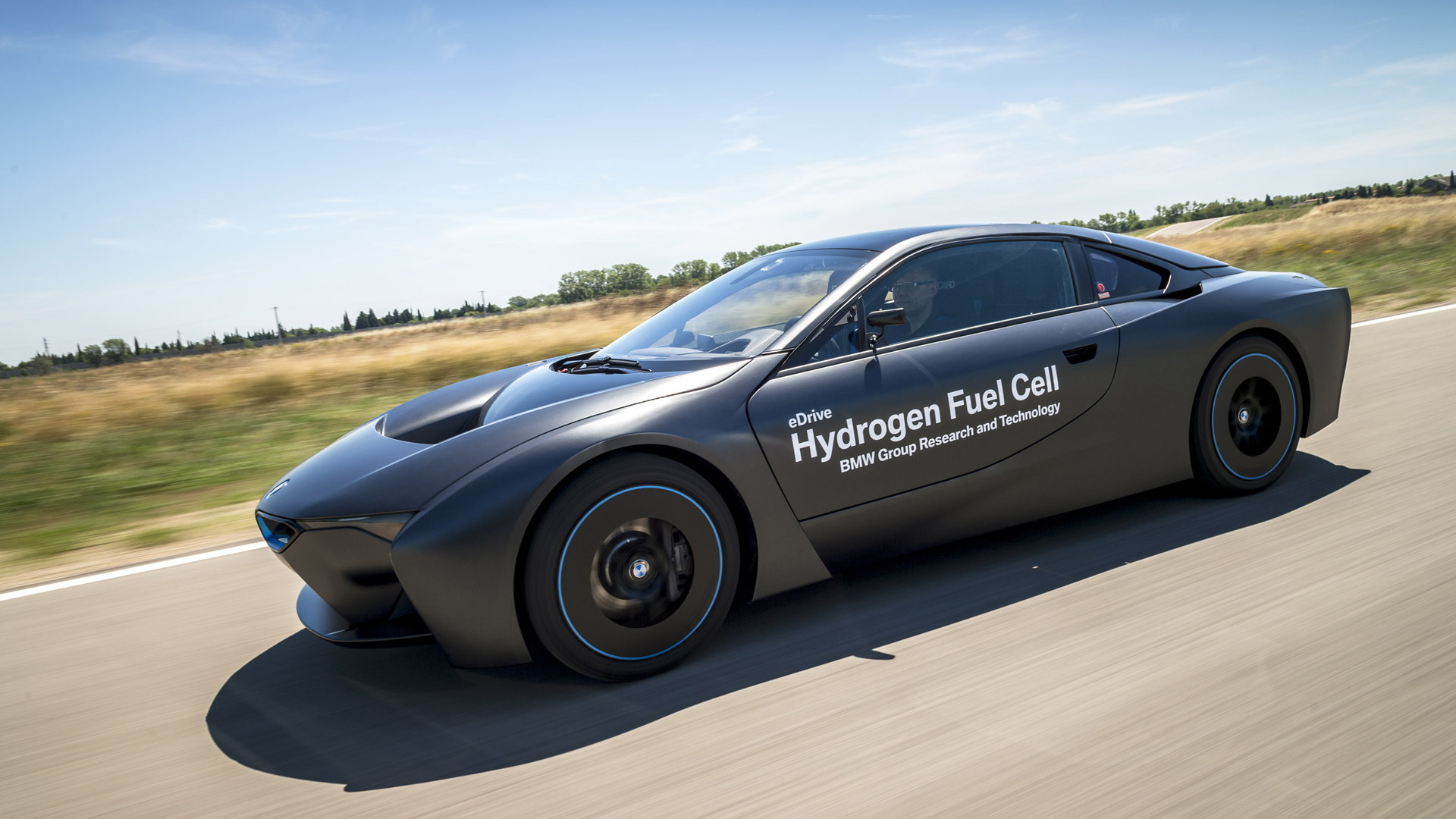 BMW i8 hydrogen fuel cell concept