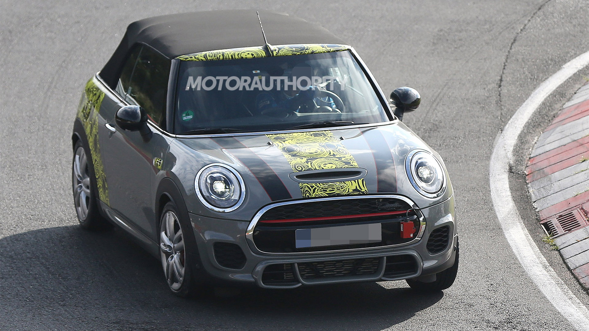 2016 MINI John Cooper Works Convertible spy shots - Image via S. Baldauf/SB-Medien