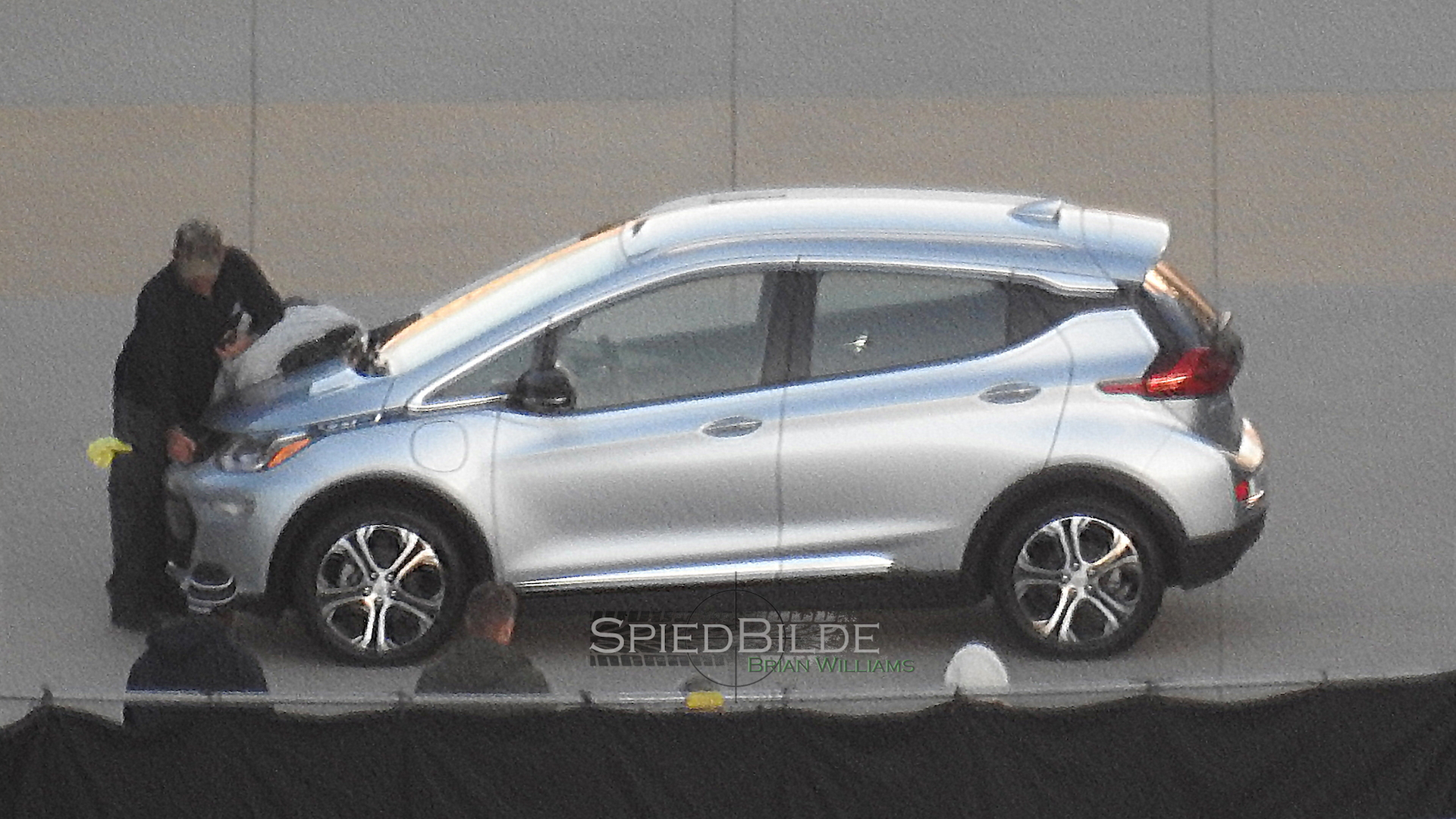 2017 Chevrolet Bolt EV spy shots