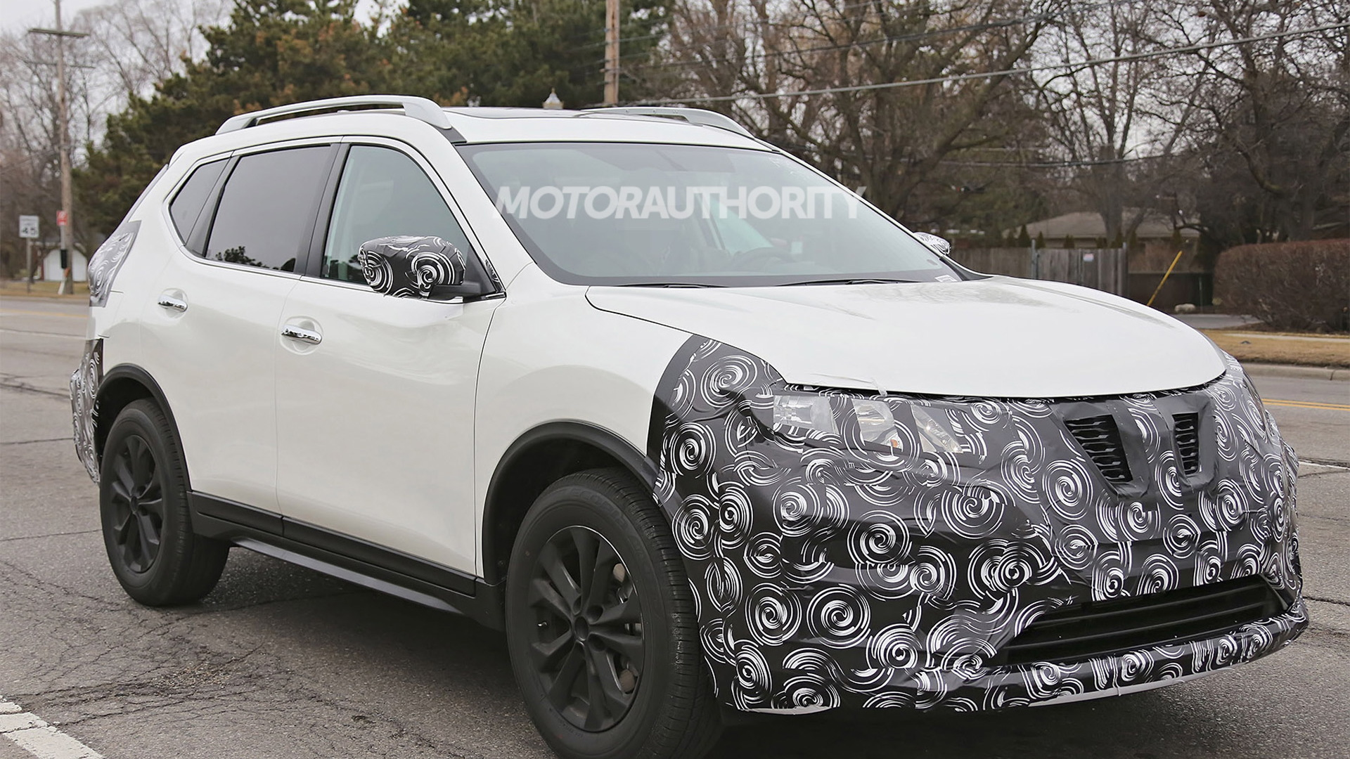 2017 Nissan Rogue facelift spy shots - Image via S. Baldauf/SB-Medien