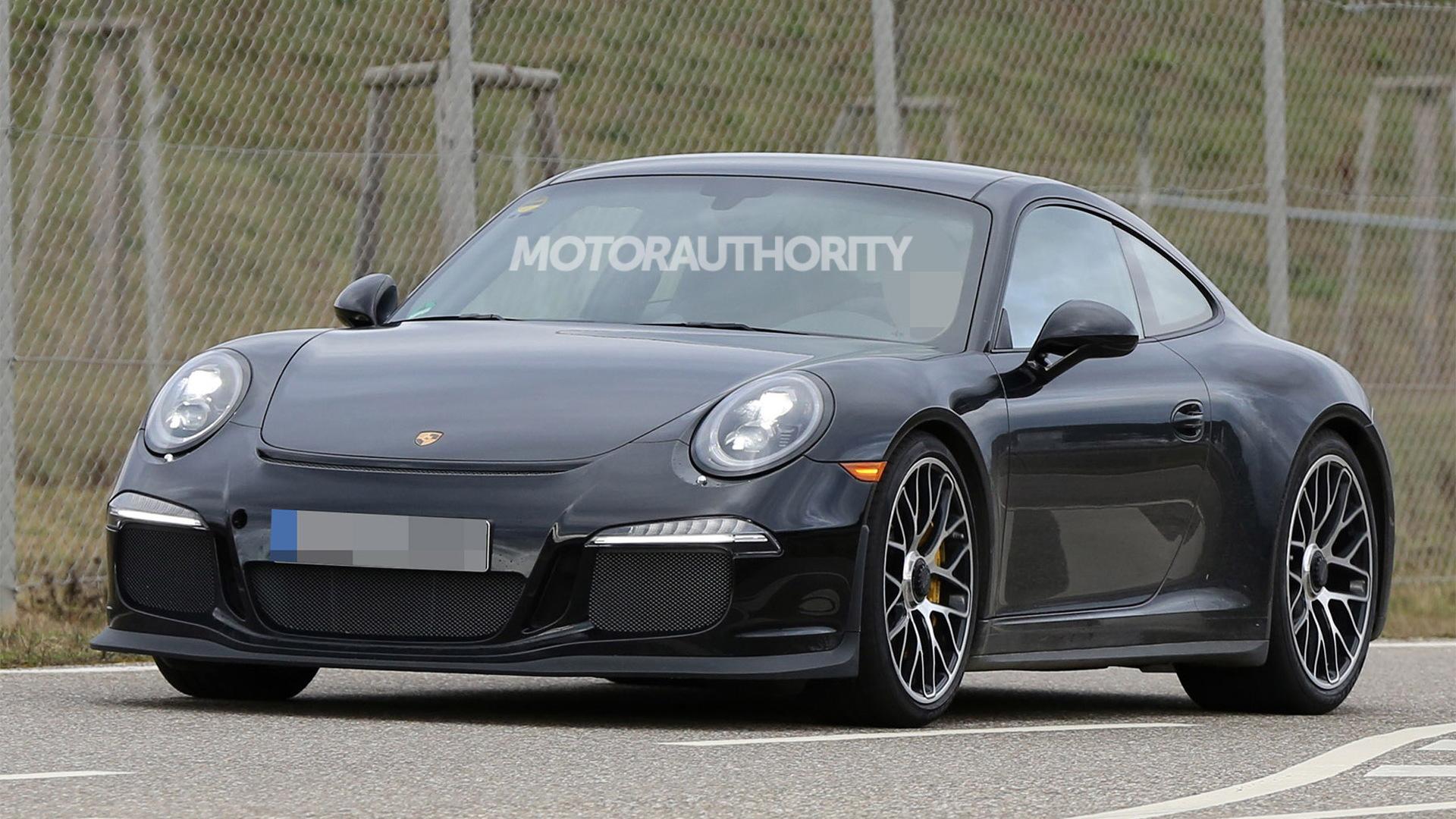 2017 Porsche 911 R spy shots - Image via S. Baldauf/SB-Medien