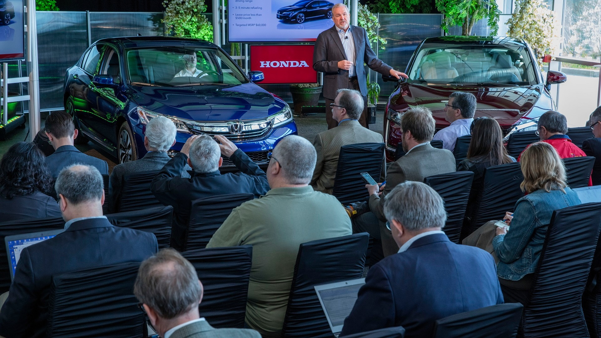 2017 Honda Clarity Fuel Cell with American Honda's John Mendel, Apr 2016