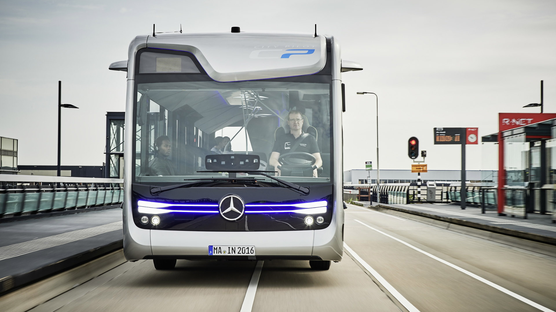 Mercedes-Benz Future Bus concept