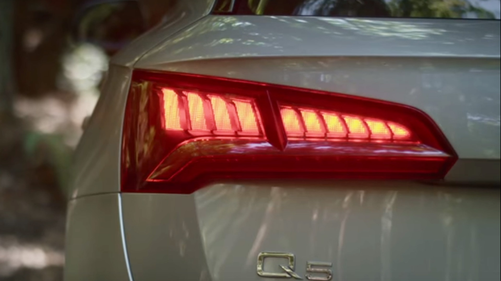 Teaser for new Audi Q5 debuting at 2016 Paris auto show