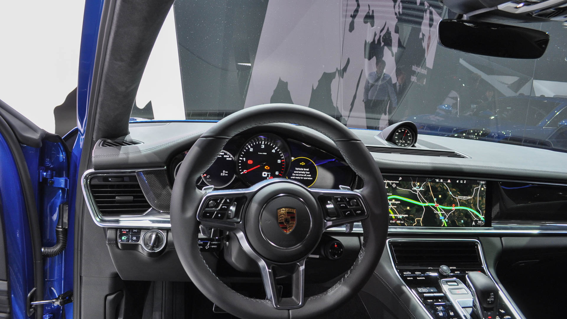 2018 Porsche Panamera Sport Turismo, 2017 Geneva auto show