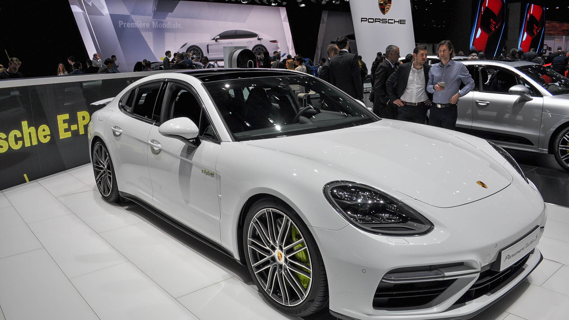 What S The Best Porsche Panamera It S A Plug In Hybrid Now