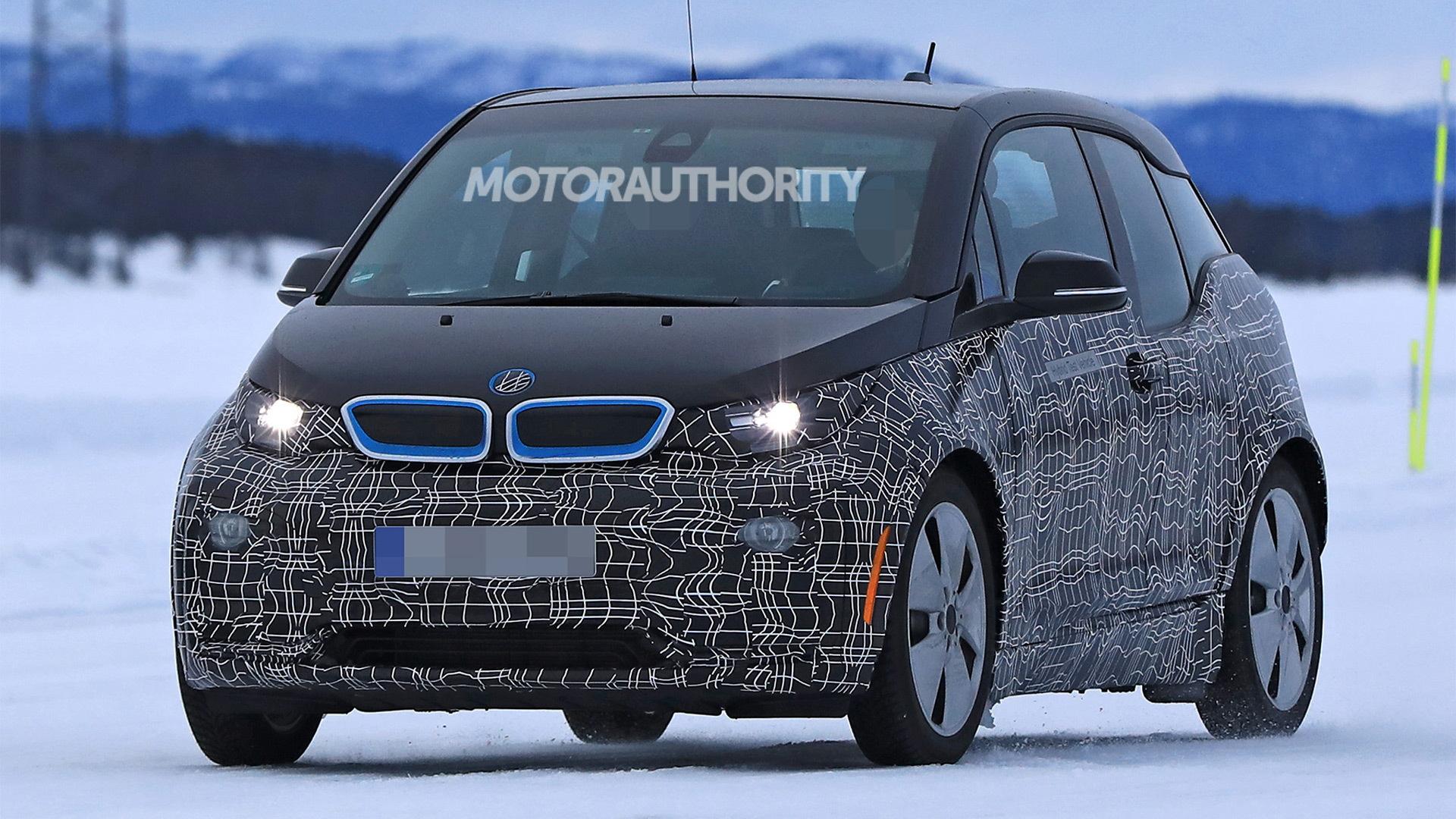 2018 BMW i3 facelift spy shots - Image via S. Baldauf/SB-Medien