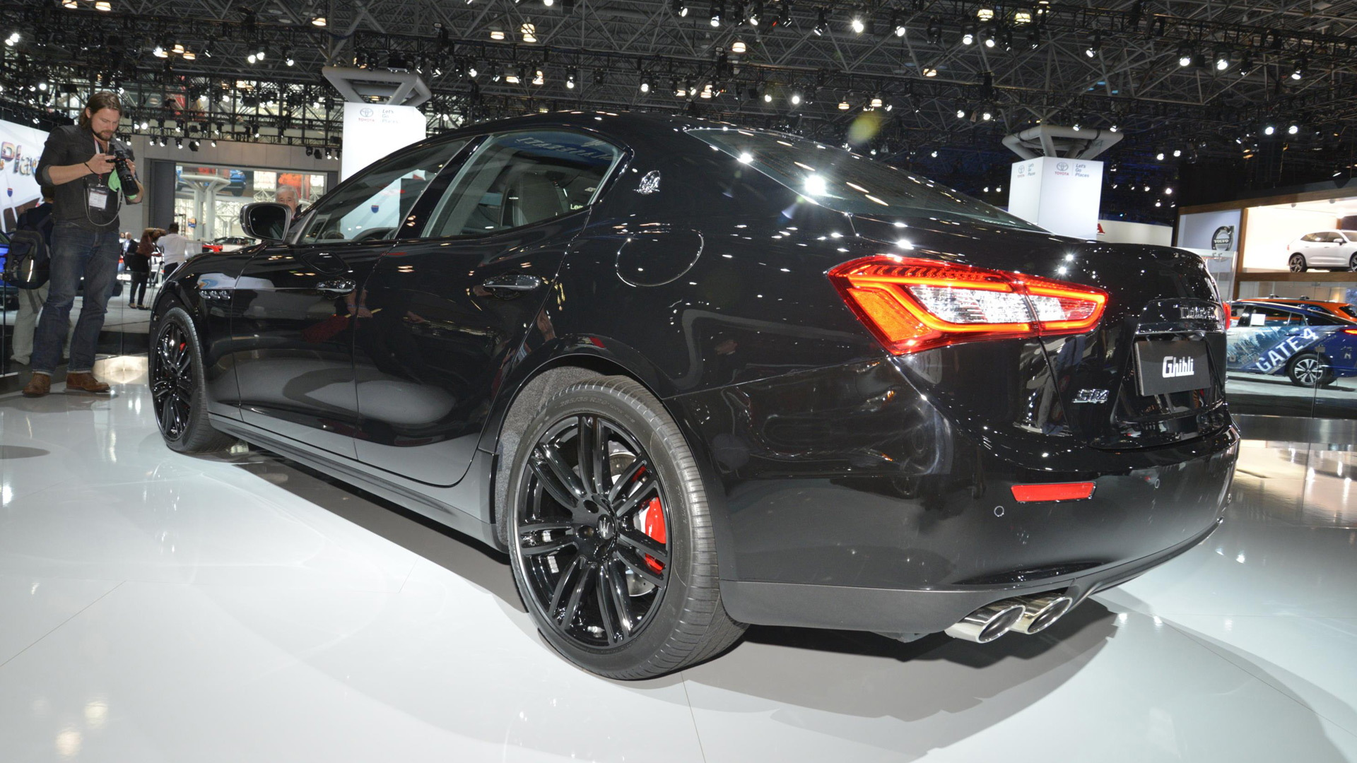 2017 Maserati Ghibli Nerissimo Edition, 2017 New York auto show