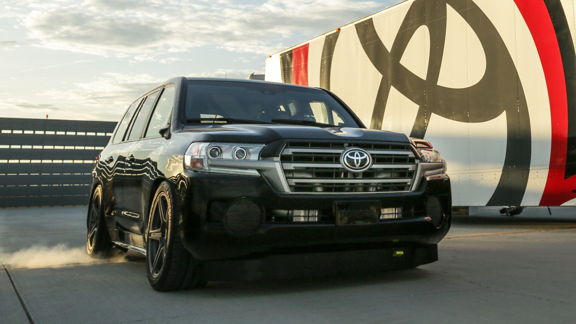 Carl Edwards drives the Toyota Land Speed Cruiser to 230.02 mph in Mojave, California
