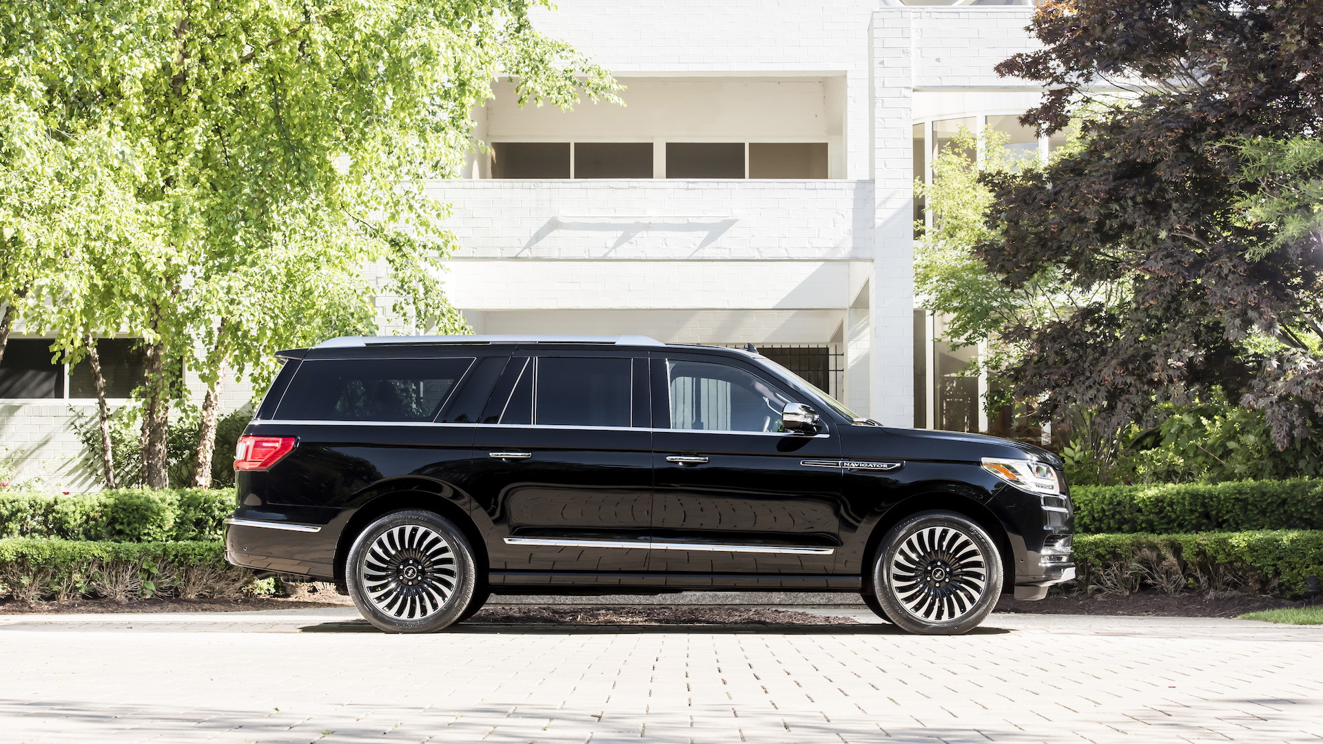 2018 Lincoln Navigator L Black Label: Review, Price >> Lincoln Reveals 2018 Navigator L In Black Label Destination Trim
