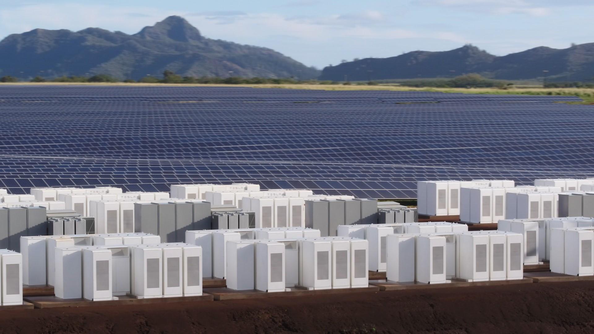 Tesla Kauai solar-energy generation and storage project  [photo: Tesla]