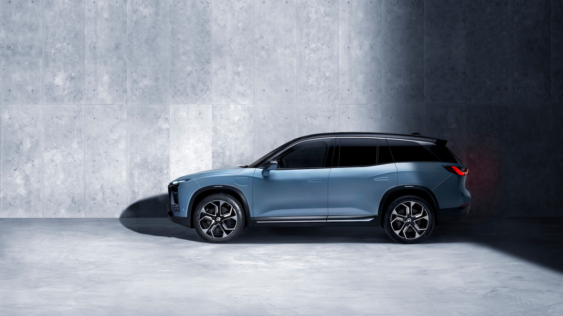 Nio ES8 high-performance electric SUV
