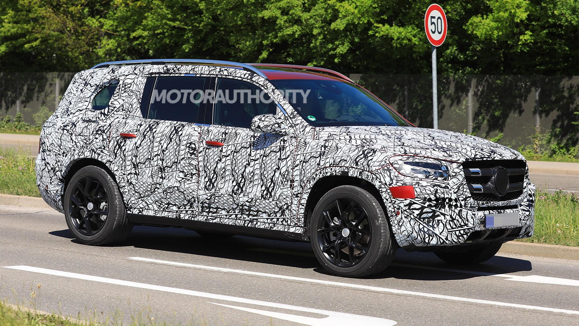 2020 Mercedes-Benz GLS spy shots - Image via S. Baldauf/SB-Medien