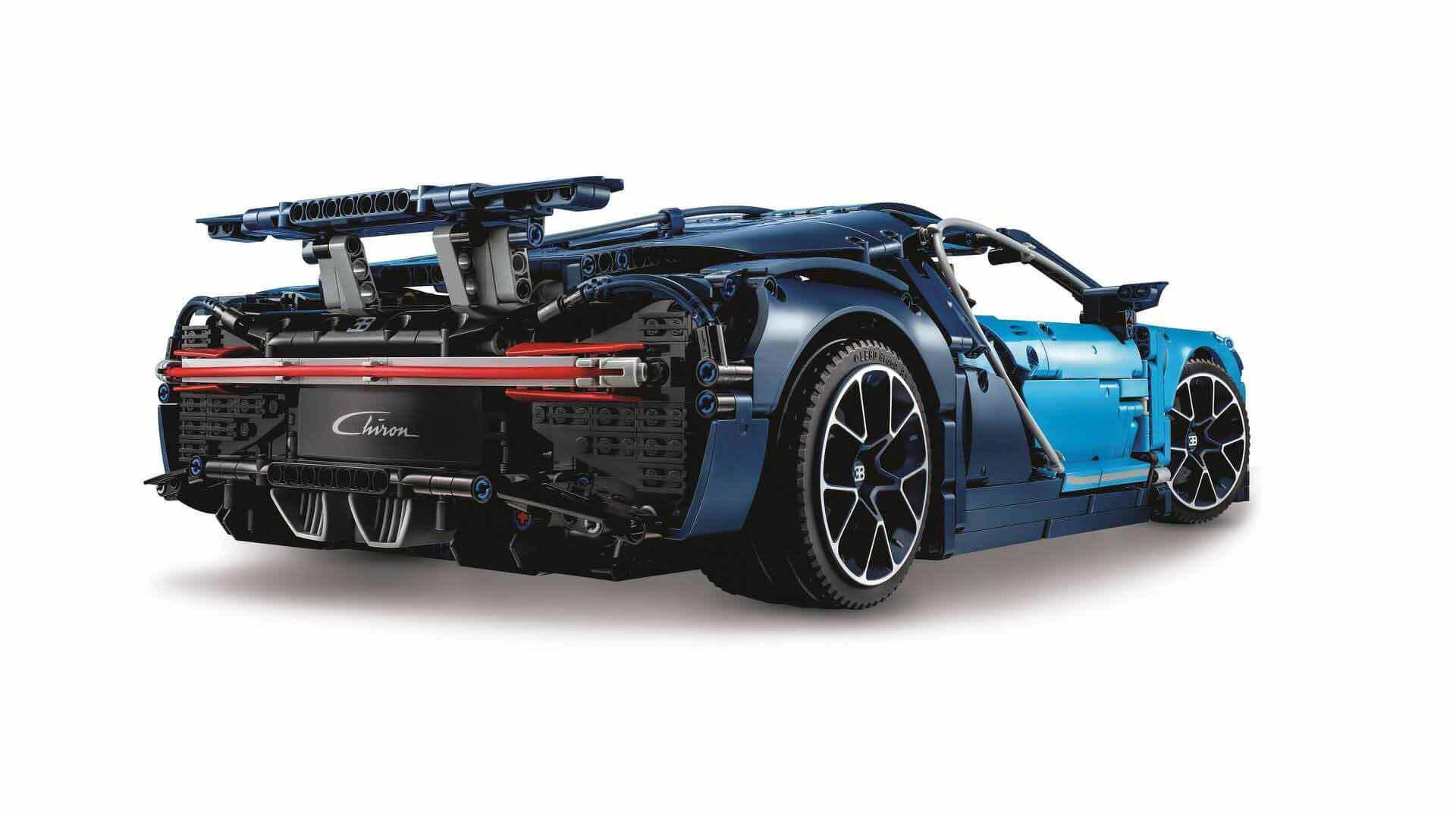 Lego Technic Bugatti Chiron Revealed With 3 599 Pieces Including Movable Engine Parts