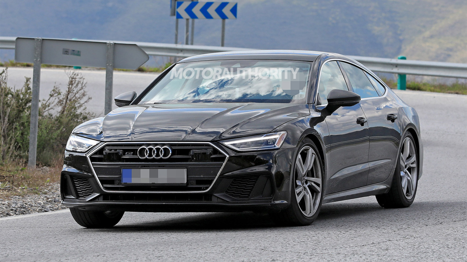 אולטרה מידי 2019 Audi S7 spy shots and video JQ-48