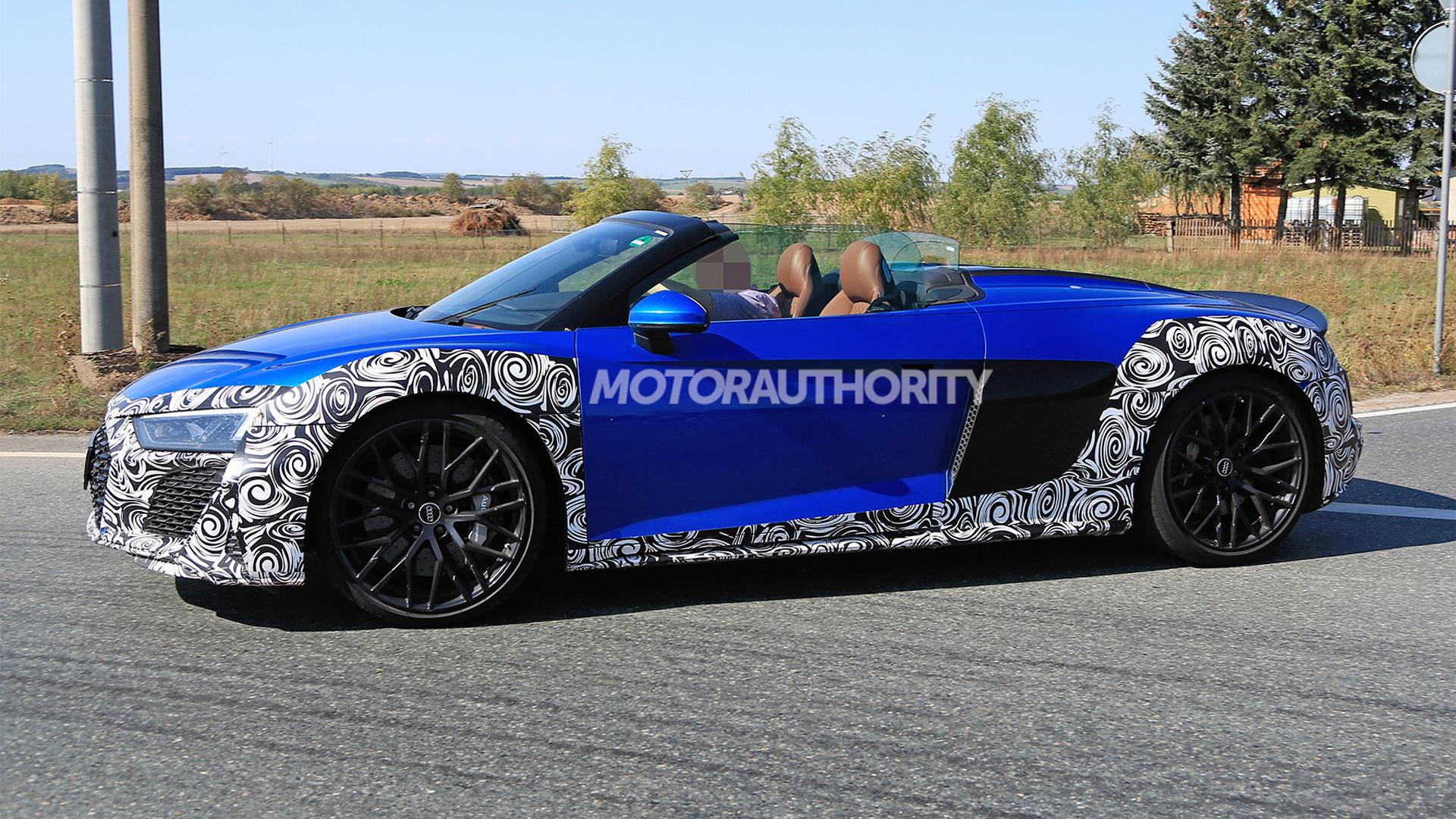 2020 Audi R8 Spyder facelift spy shots - Image via S. Baldauf/SB-Medien