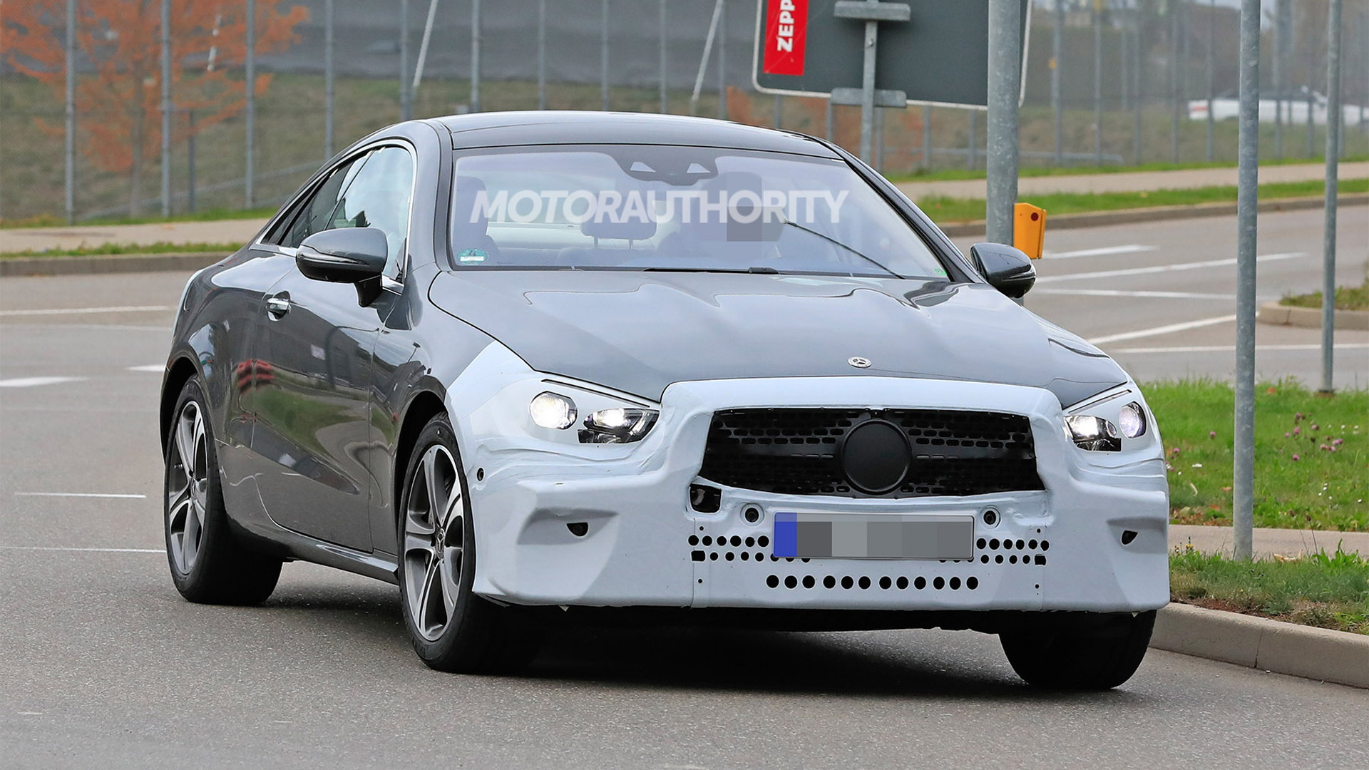 2021 Mercedes-Benz E-Class Coupe facelift spy shots - Image via S. Baldauf/SB-Medien