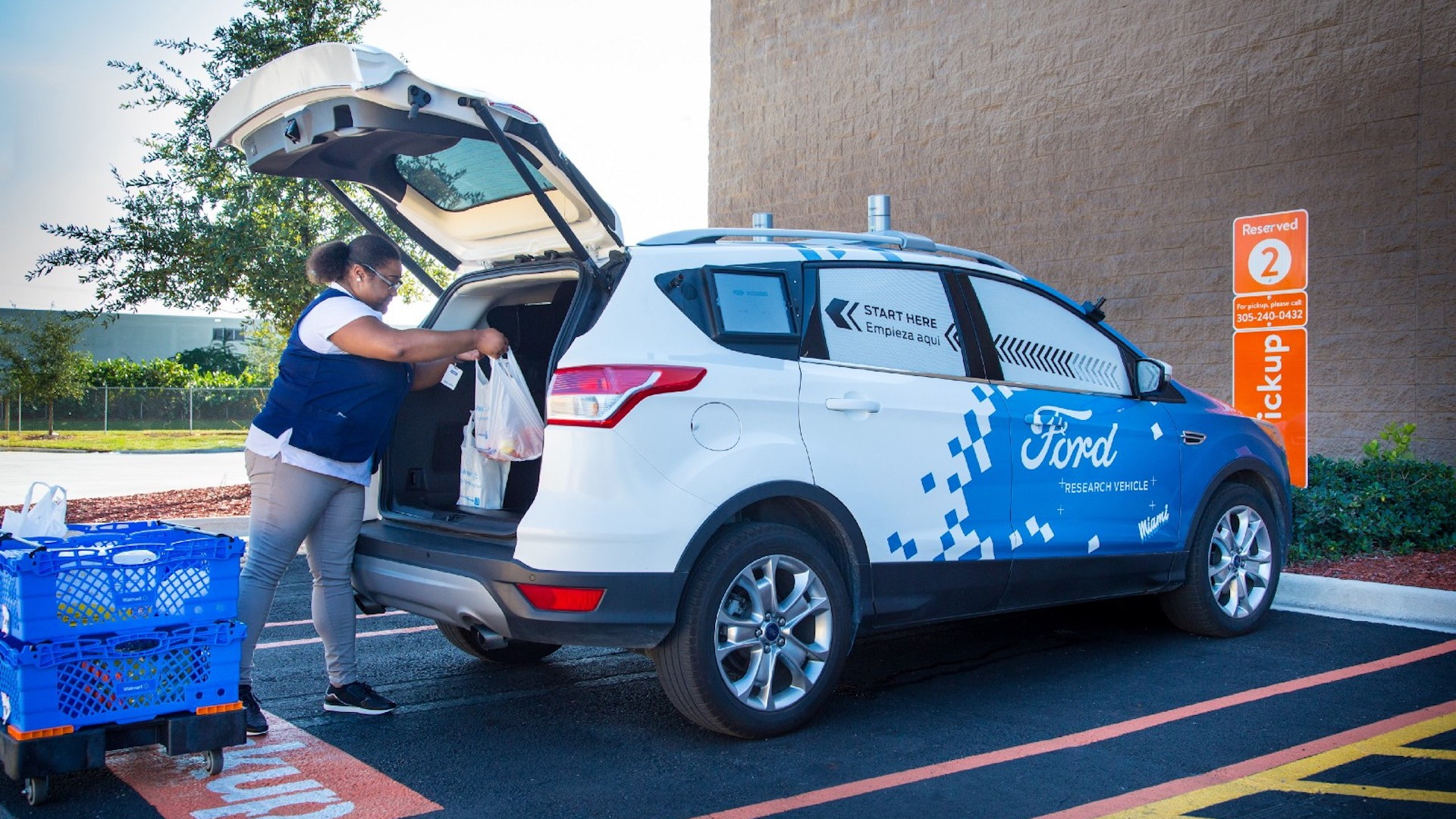 Ford partners with Walmart for self-driving delivery service