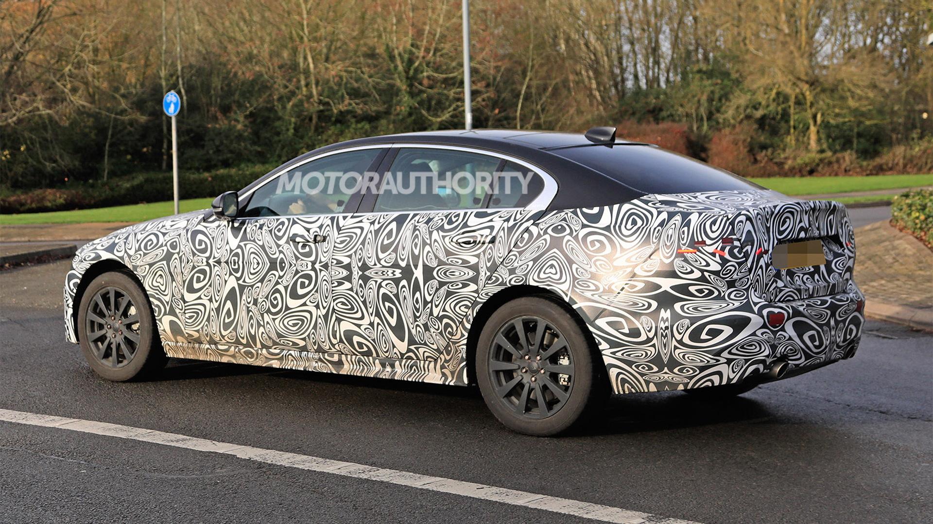 2020 Jaguar Xe Spy Shots