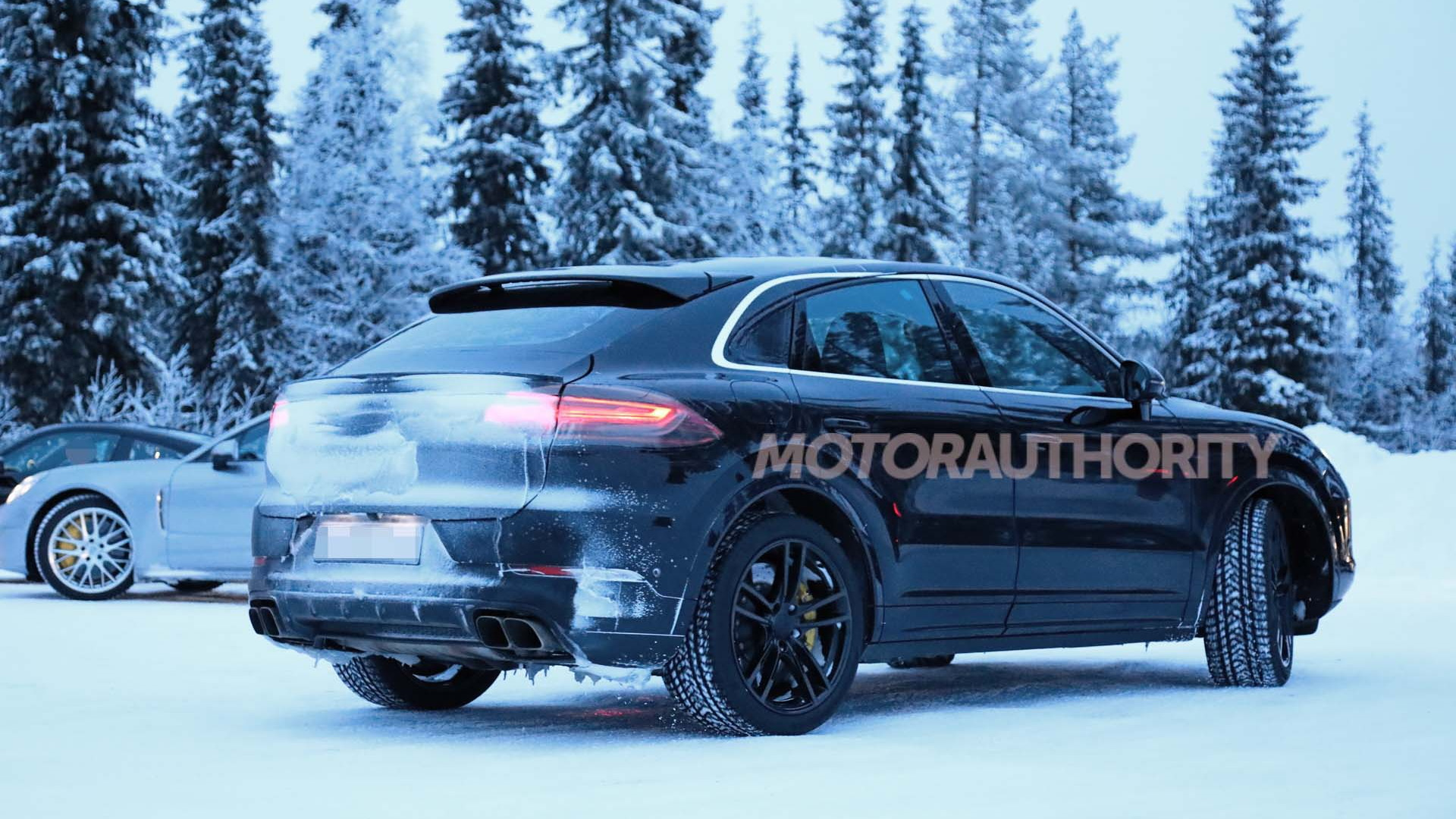 2020 Porsche Cayenne Coupe Turbo spy shots