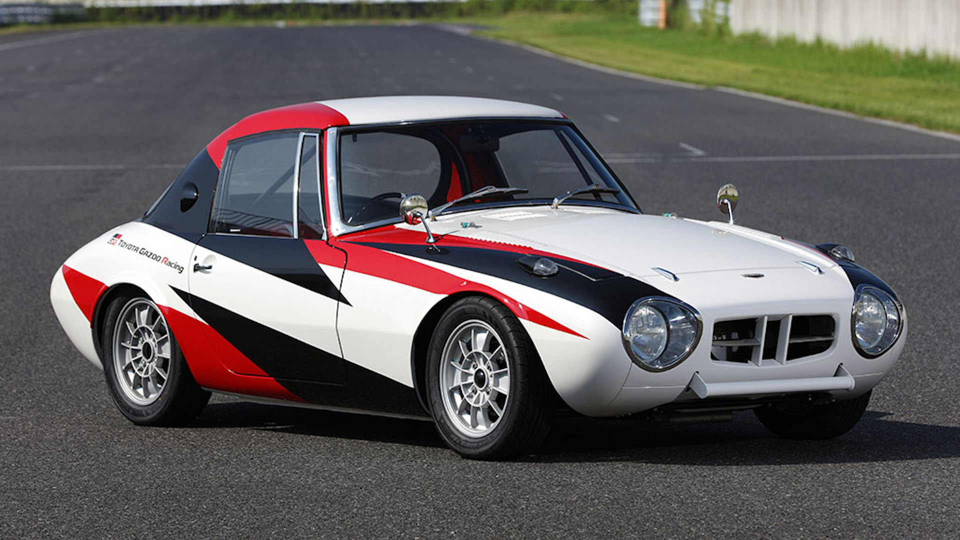 1966 Toyota Sports 800 restored by Gazoo Racing