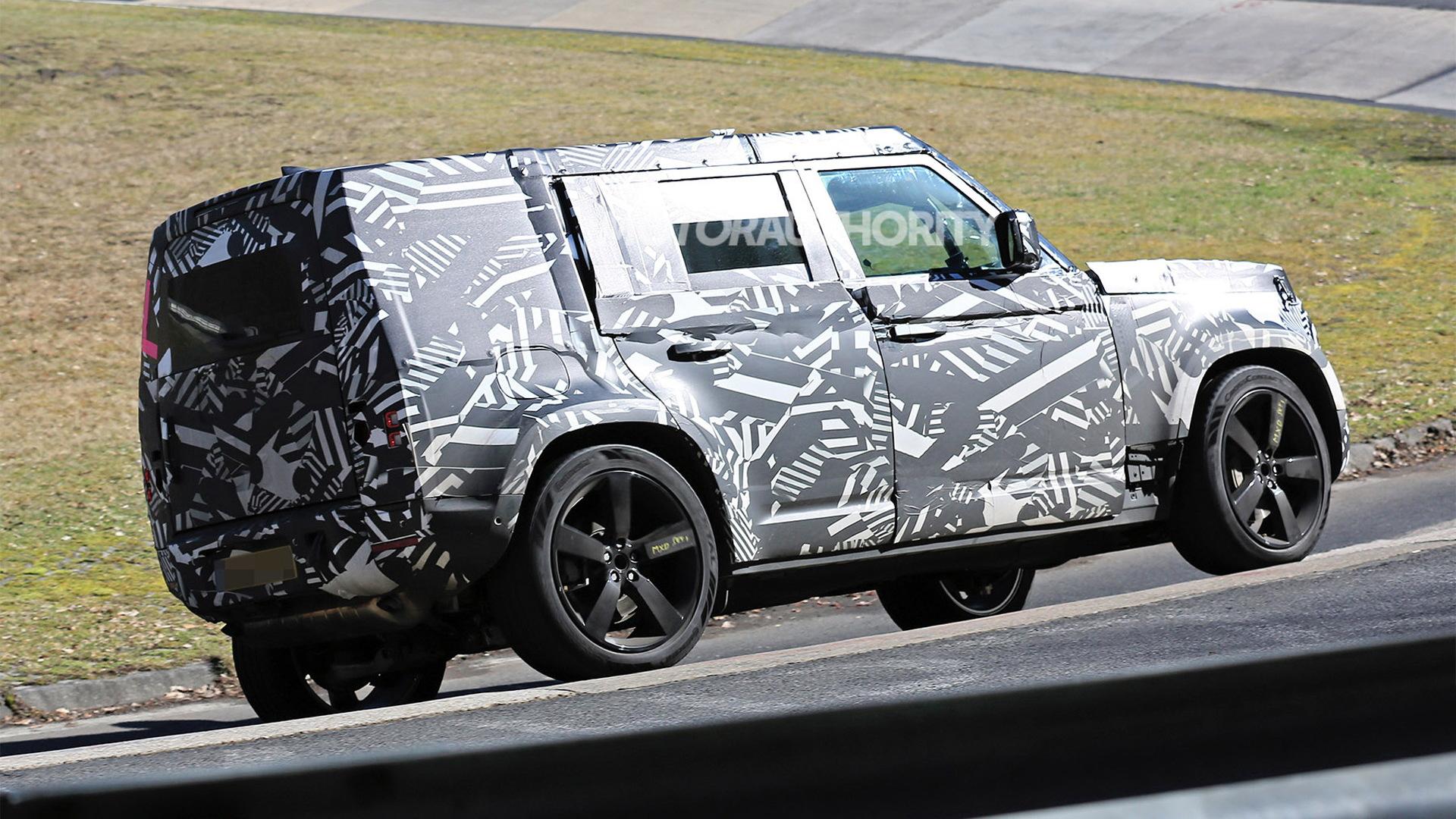 2021 Land Rover Defender spy shots
