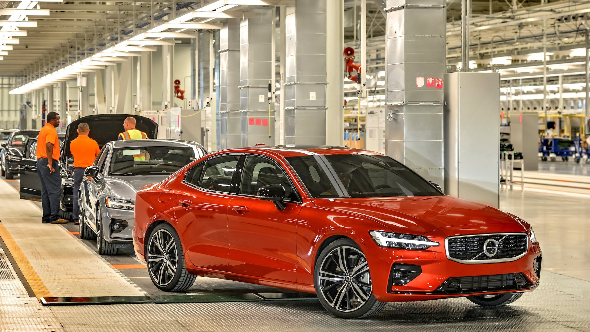 Motor Authority builds a 2019 Volvo S60