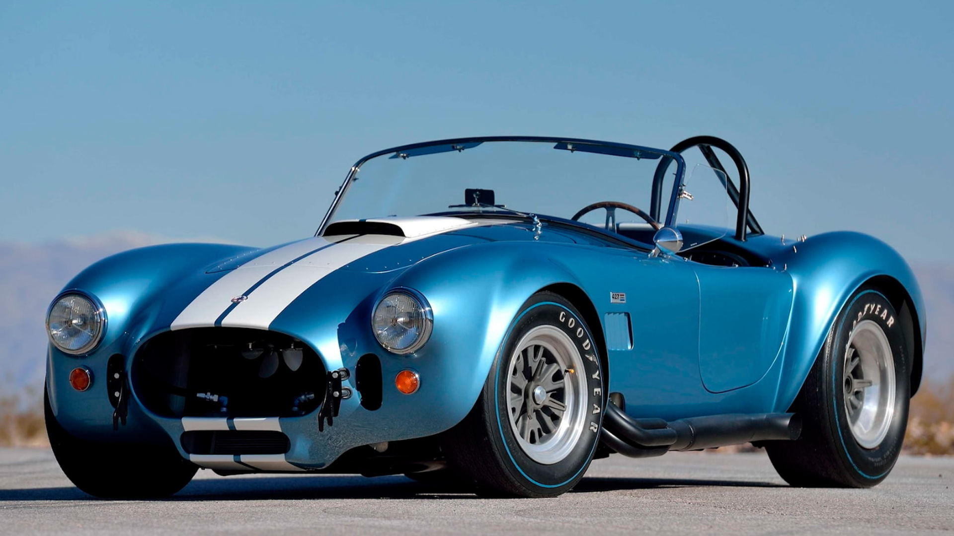 four original shelby cobras head to auction. Black Bedroom Furniture Sets. Home Design Ideas