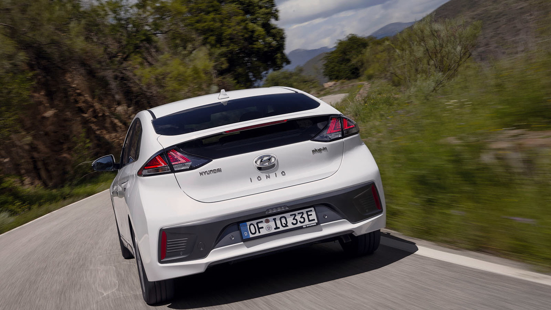 2020 Hyundai Ioniq Electric Gets More Range And Power Faster