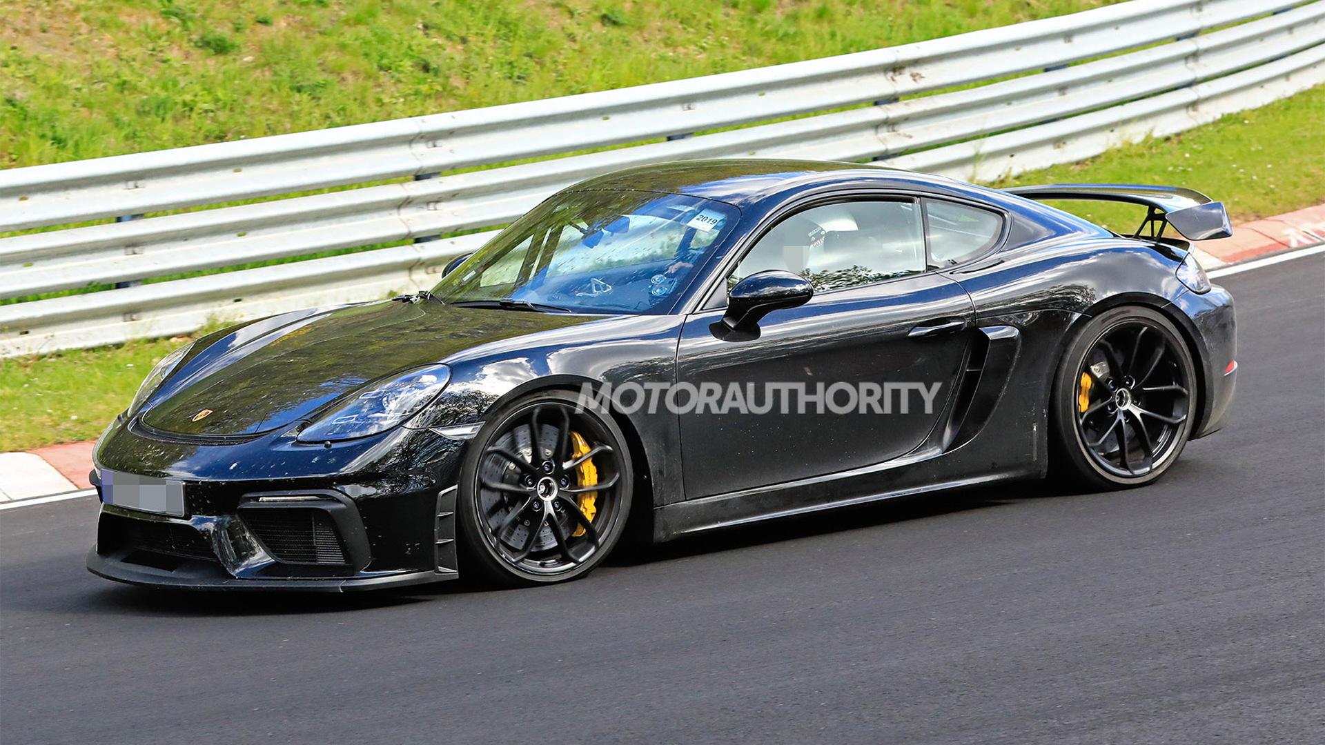 2020 Porsche 718 Cayman GT4 spy shots - Image via S. Baldauf/SB-Medien