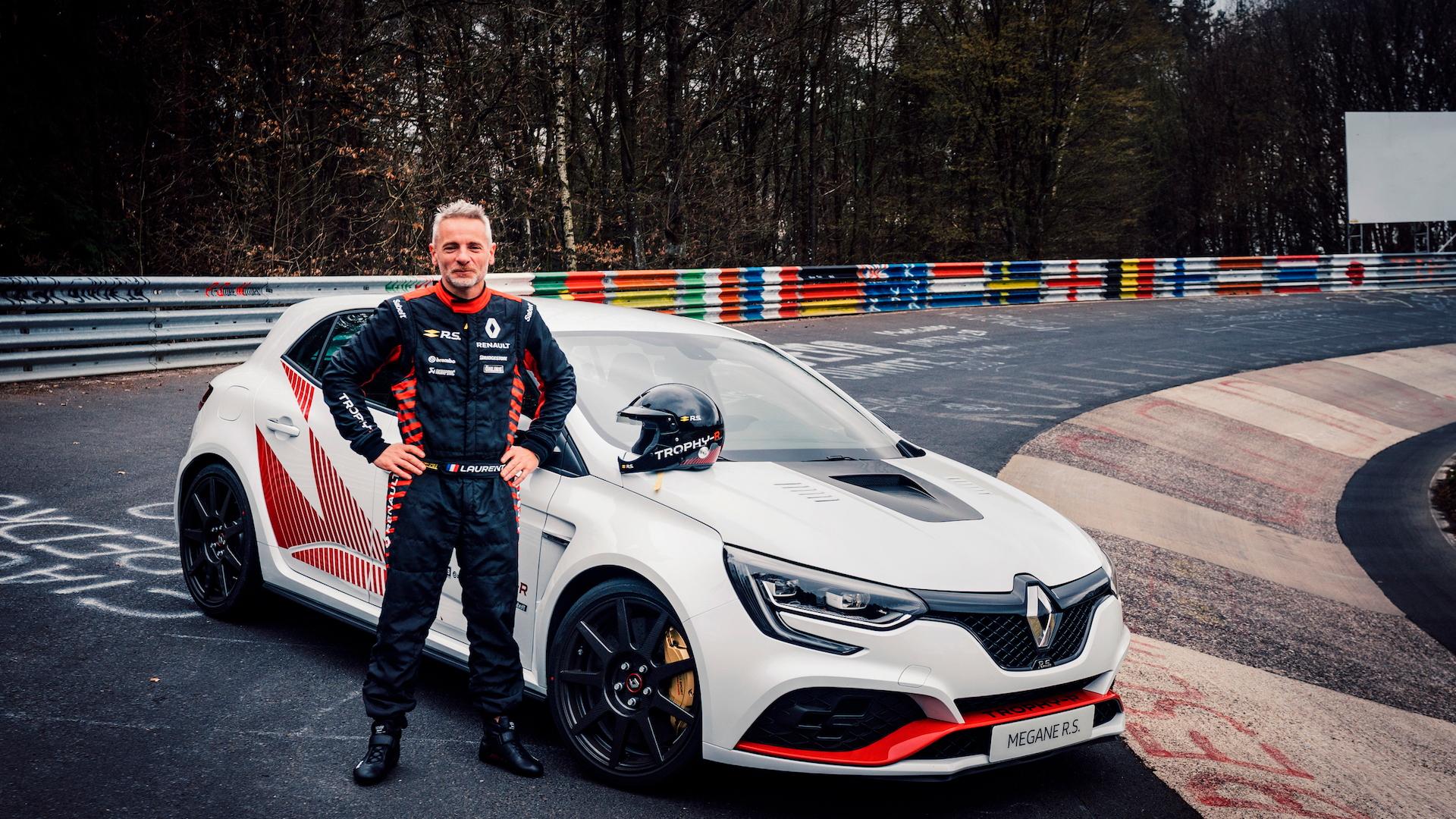 Renault Megane RS Trophy R Nürburgring record