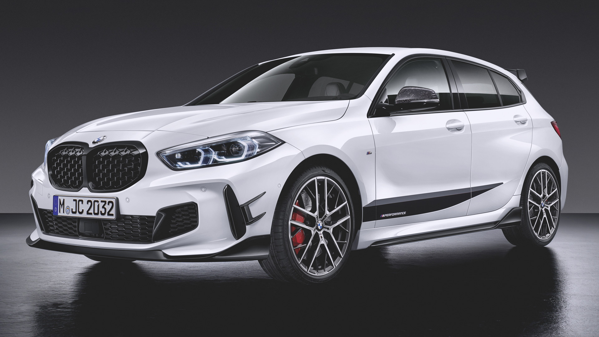 2019 BMW 1-Series hatchback fitted with M Performance Parts